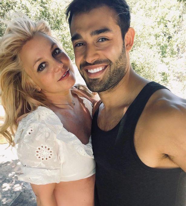 Britney và bạn trai, Sam Asghari.