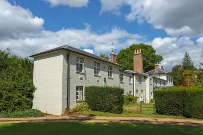 Tư dinh Frogmore Cottage, nơi nhà Harry - Meghan sống trước khi chuyển tới Mỹ. Ảnh: Splash.