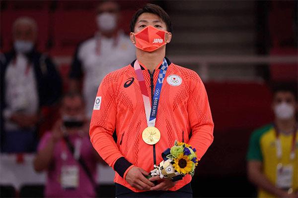 Nhà vô địch Hifumi Abe ở hạng cân 66kg của nam. Ảnh: JT.