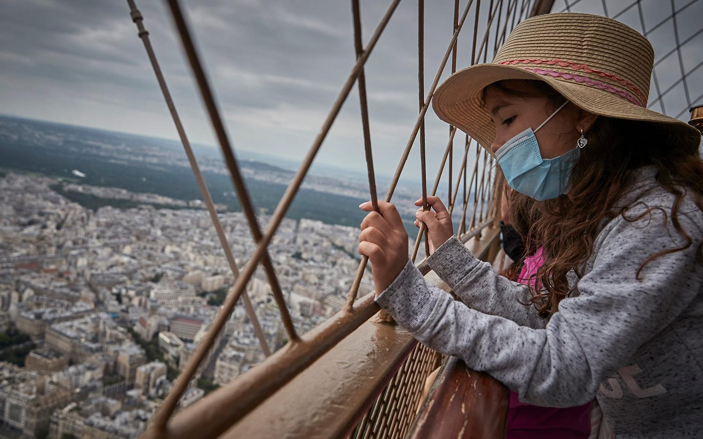 Tháp Eiffel từ trên cao
