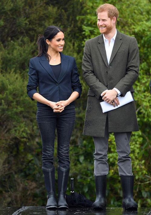 Harry và Meghan khi còn là thành viên làm việc cho hoàng gia. Ảnh: UK Press.