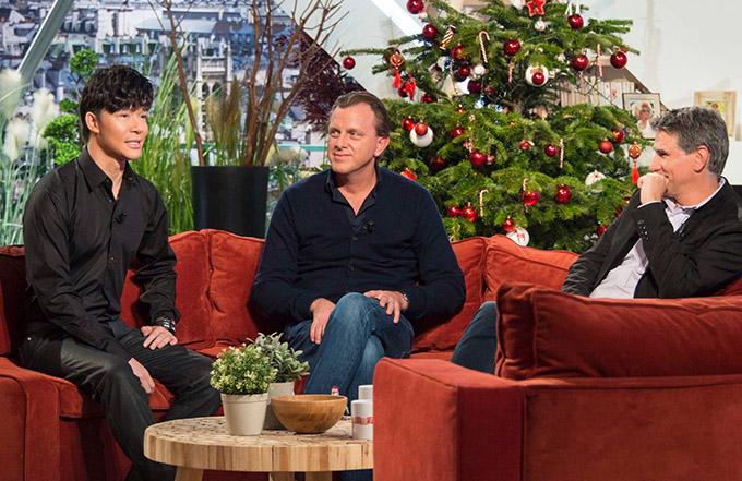 Nathan Lee trả lời phỏng vấn của kênh truyền hình quốc gia Pháp năm 2016.