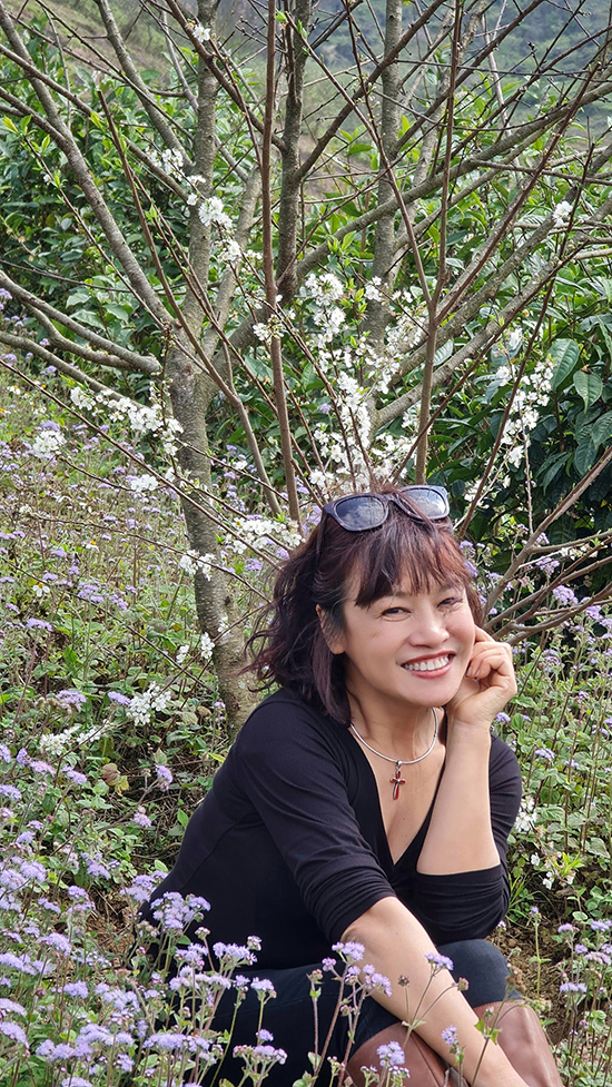 Nghệ sĩ Tú Oanh ở ngoài đời.