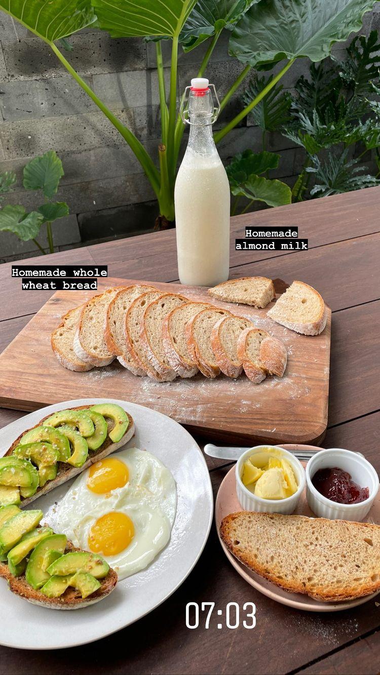 Bánh mì nguyên cám homemade chất lượng của Tóc Tiên.