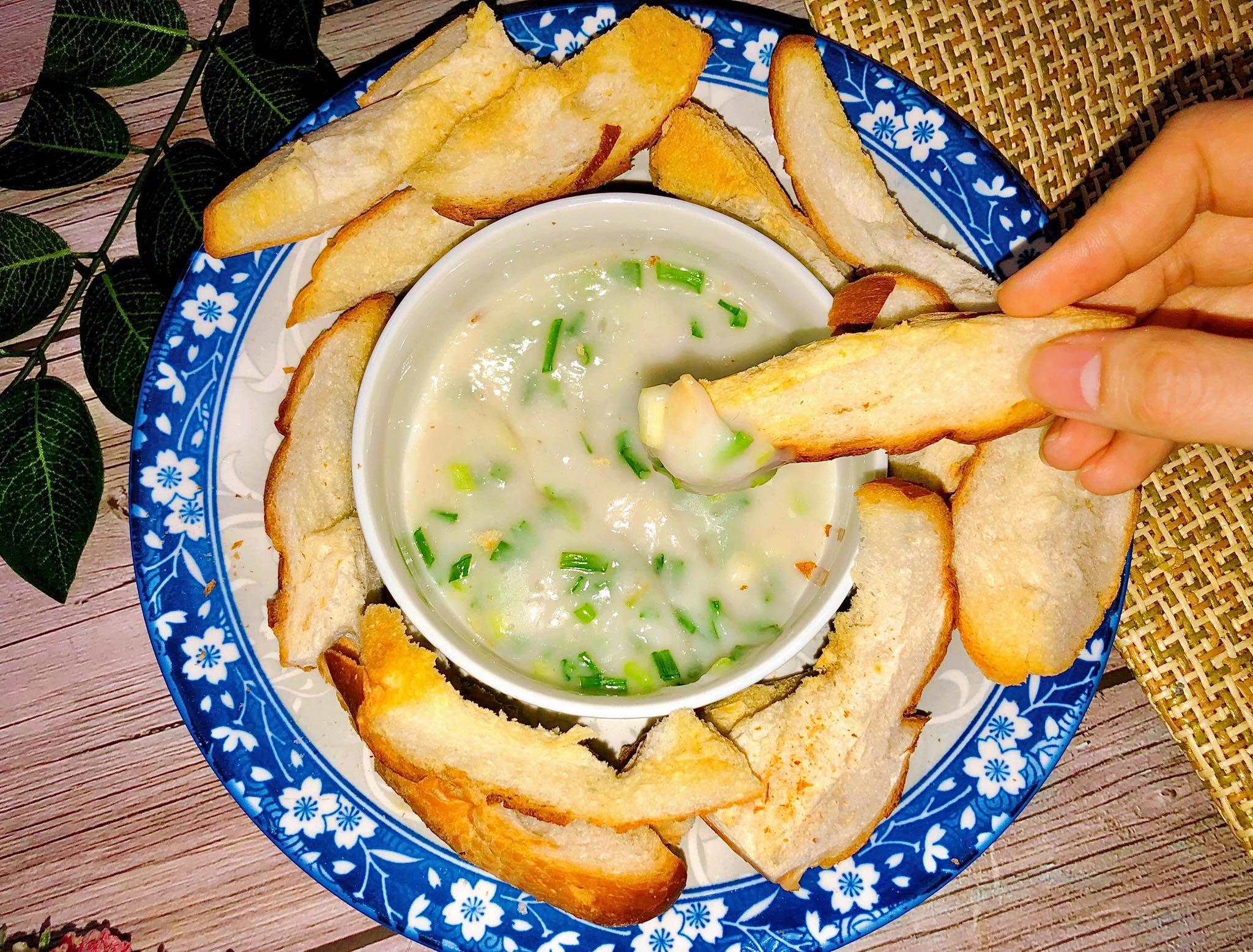Bánh mì nướng chấm cốt dừa hành - 2