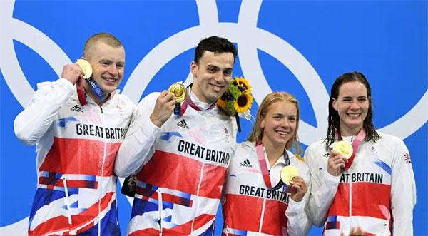Tuyển Anh vô địch 4x100 m tiếp sức hỗn hợp đồng thời phá kỷ lục thế giới. Ảnh: Reuters.