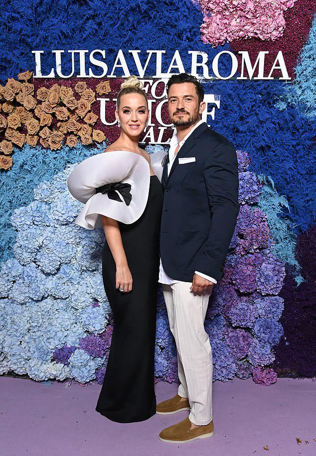 Katy và vị hôn phu Orlando Bloom quyến rũ trên thảm đỏ UNICEF tối thứ bảy.