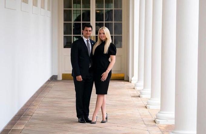 Tiffany Trump và bạn trai Michael Boulos công bố đính hôn ở Nhà Trắng. Ảnh: Instagram.