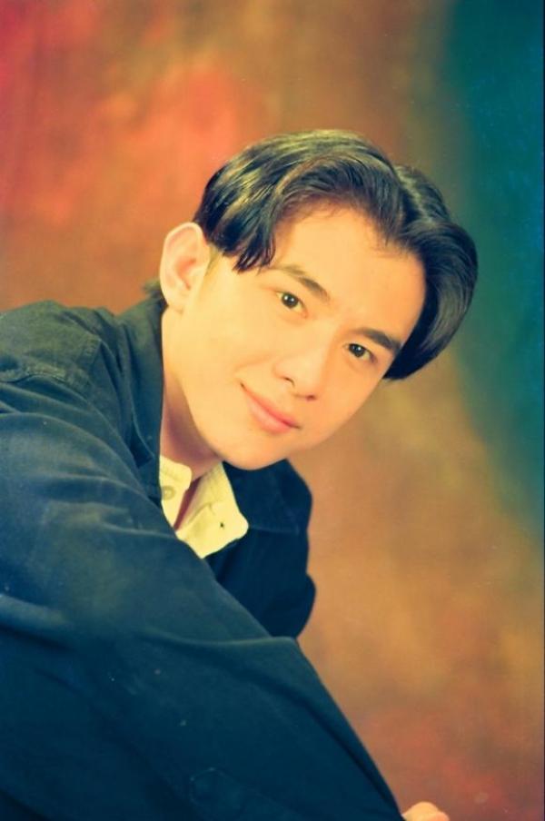 Thời điểm mới vào showbiz, Đan Trường nhanh chóng được yêu mến bởi giọng ca và ngoại hình đẹp trai, thư sinh. Giọng ca Kiếp ve sầu còn lăng xê mái tóc bổ luống đặc trưng thập niên 1990 thành mốt được nhiều thanh niên theo đuổi.