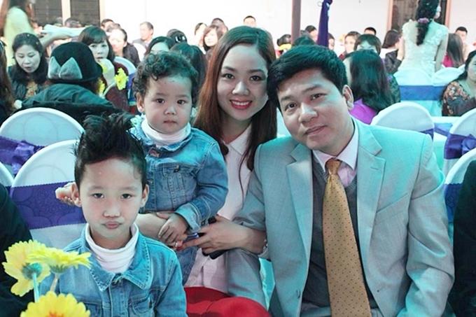 Hoa hậu Mai Phương và ông xã là bạn học thời cấp 3. Họ kết hôn sau khi Mai Phương hoàn tất du học ngành Quản trị Kinh doanh tại Đại học Luton (Anh). Hiện họ có hai con trai Hải Đông (12 tuổi), Hải Long (9 tuổi).