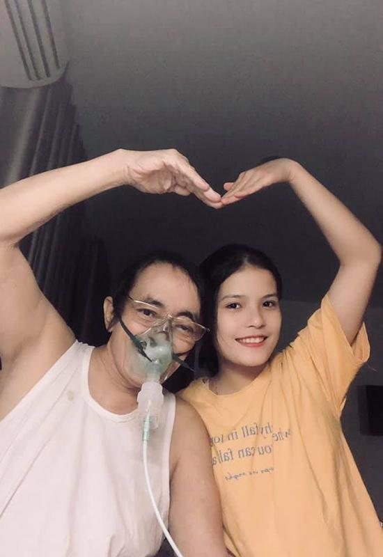 Giang Còi nhí nhảnh bên con gái Ngọc Anh khi điều trị ung thư.
