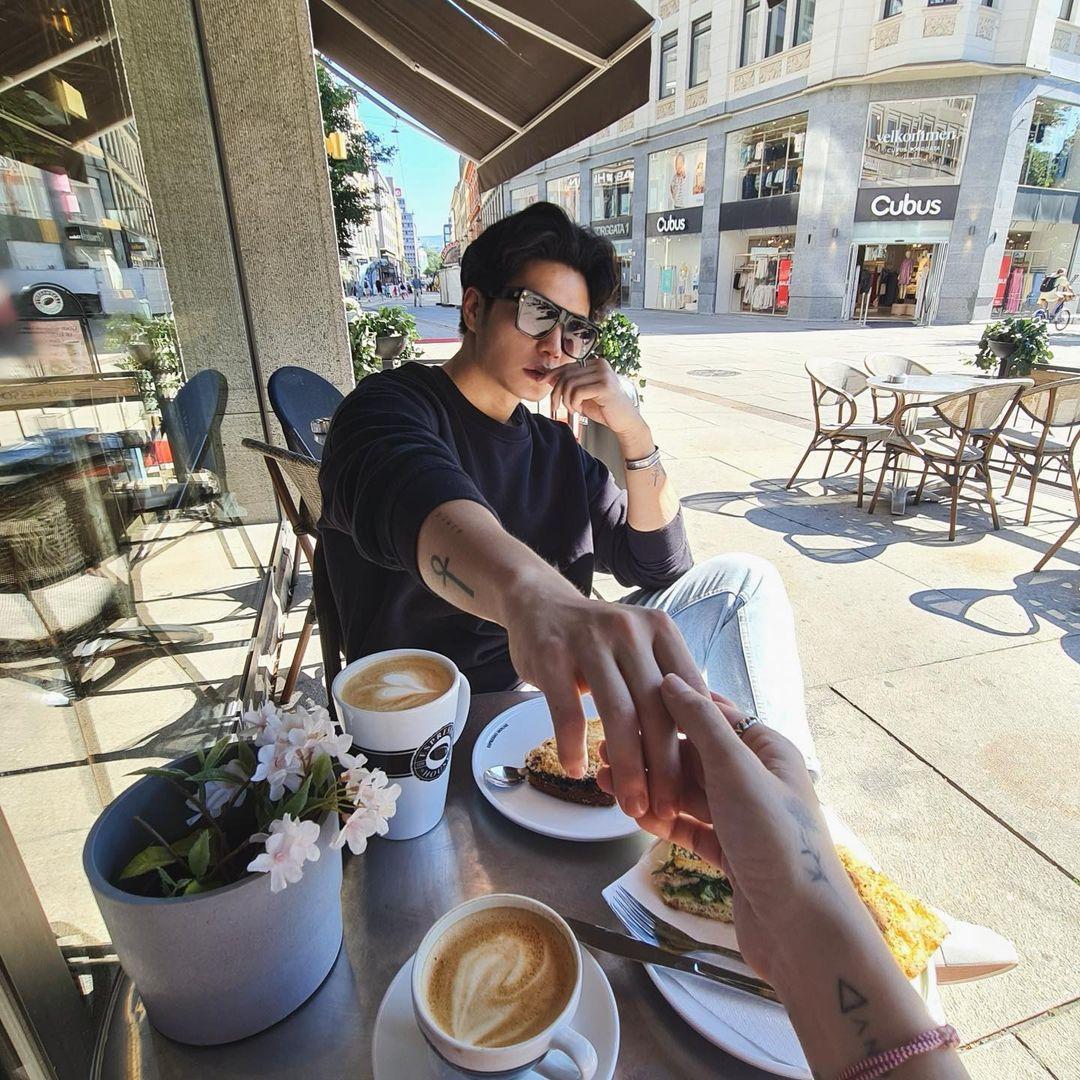 Ngô Thanh Vân bị chỉ trích vì khoe ảnh check in cà phê với tình trẻ - 1