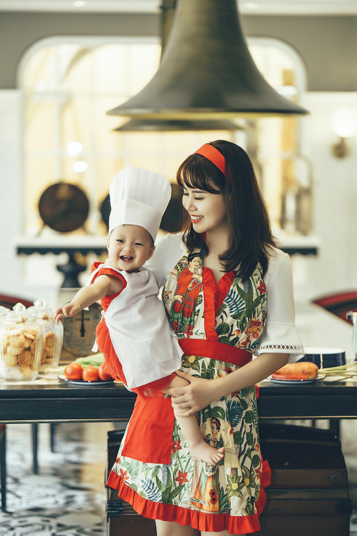 Bé gái đầu lòng của vợ chồng Ngọc Quỳnh có sức khỏe rất tốt khi được mẹn nuôi dưỡng theo chế độ thuần thực vật.