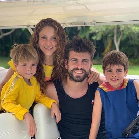Hai bé Milan và Sasha trong bức ảnh chụp tháng 6/2019. Ảnh: Instagram.
