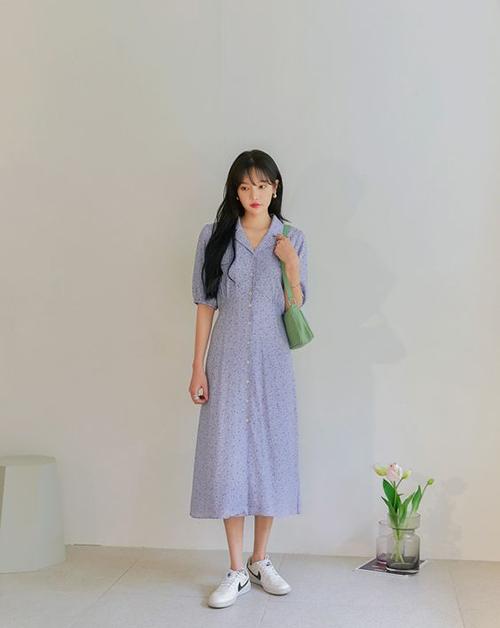 Đầm liền thân, dáng cổ điển, kiểu freesize nhẹ nhàng vừa thoải mái và vẫn mang lại sự thành lịch cho chị em khi tham gia họp nhóm cùng đồng nghiệp.