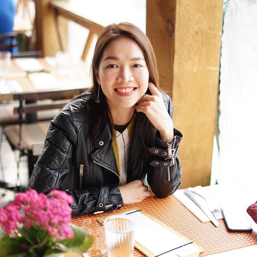 Lê Phương là chị cả của Phương Anh, sinh năm 1987. Cô từng đoạt giải Học sinh giỏi môn Hóa của tỉnh Đồng Nai, thi đậu Đại học Ngoại giao Hà Nội, sau đó tốt nghiệp thạc sĩ MBA tại đại học York của Canada. Đây là ngôi trường lớn thứ 3 tại quốc gia này, có 11 khoa và 28 trung tâm nghiên cứu.