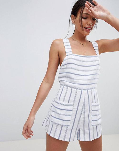 Những chất liệu vải thô, vải thân thiện môi trường và có khả năng thấm hút mồ môi cao thường được chọn lựa để mang đến các mẫu jumpsuit gợi cảm.