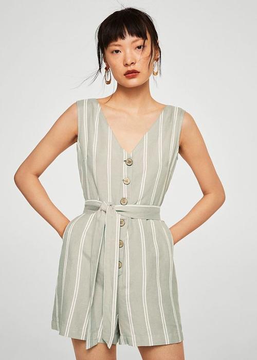 Trang phục áo liền quần dành cho dòng thời trang ở nhà được thiết kế đơn giản về kiểu dáng nhưng đề cao sự thoải mái và thoáng mát.