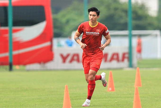 Văn Hậu phải tập riêng trong suốt hơn hai tuần tuyển Việt Nam hội quân chuẩn bị cho vòng loại thứ ba World Cup 2022. Ảnh: FB Đoàn Văn Hậu