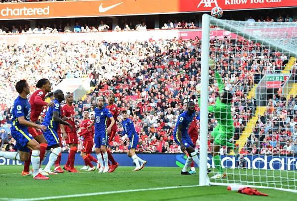 Trước đó ở phút 22, Chelsea mở tỷ số sau pha đánh đầu vào góc cao của Kai Havert. Ảnh: Reuters