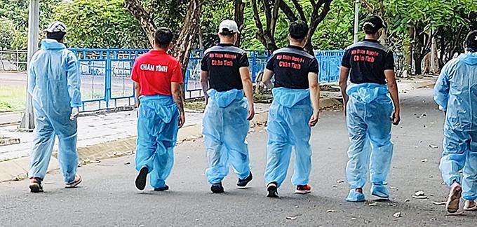 Lâm Vũ cùng bạn bè cứu trợ mùa dịch - 6