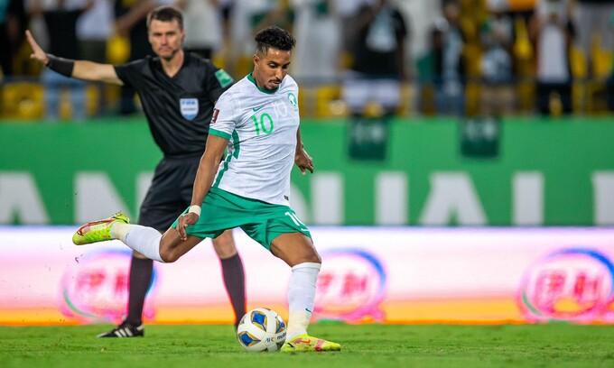 Al-Dawsari gỡ hòa 1-1 Saudi Arabia trên chấm phạt đền.