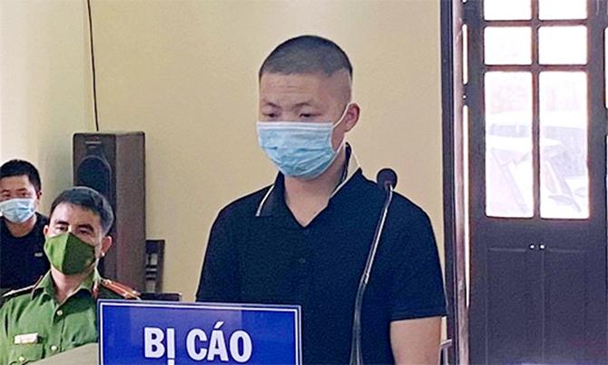 Bị cáo Tuấn tại tòa. Ảnh: Văn Việt