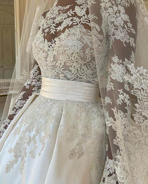 Váy cưới dài 4 m của thiên thần nội y nhắc tới Grace Kelly (nháp) - page 2 - 6