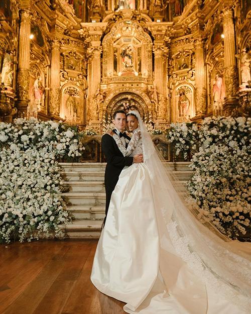 Váy cưới dài 4 m của thiên thần nội y nhắc tới Grace Kelly (nháp) - page 2 - 9