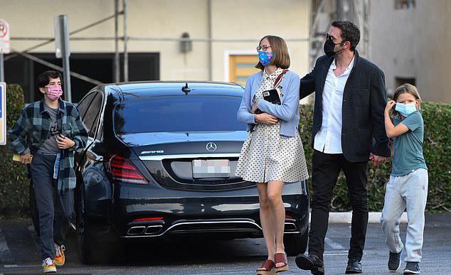 Ben có ba người con với vợ cũ - nữ diễn viên Jennifer Garner - gồm: Violet, Seraphina 12 tuổi và Samuel 9 tuổi.