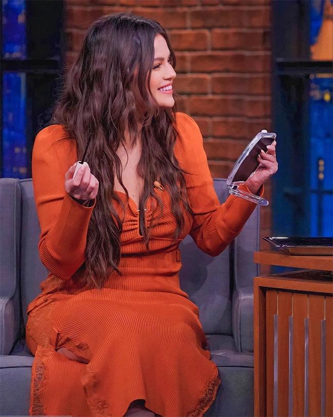 Selena rất hạnh phúc khi bộ phim truyền hình cô đóng cùng hai ngôi sao gạo cội Steve Martin và Martin Short được chấm điểm tuyệt đối trên trang Rotten Tomatoes. Phim cũng nhận được phản hồi tích cực của khán giả trên mạng xã hội từ khi phát sóng vào cuối tháng 8.