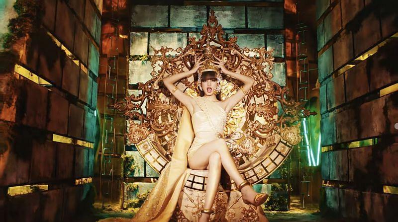 Lisa dành một phần MV để tôn vinh Thái Lan quê nhà.