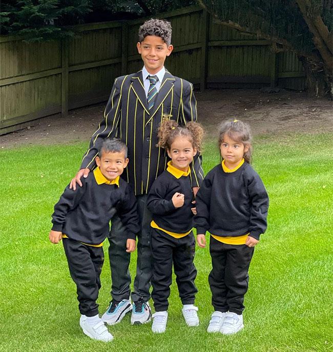 Bốn nhóc nhà C. Ronaldo bắt đầu cuộc sống mới ở Anh. Ảnh: Instagram