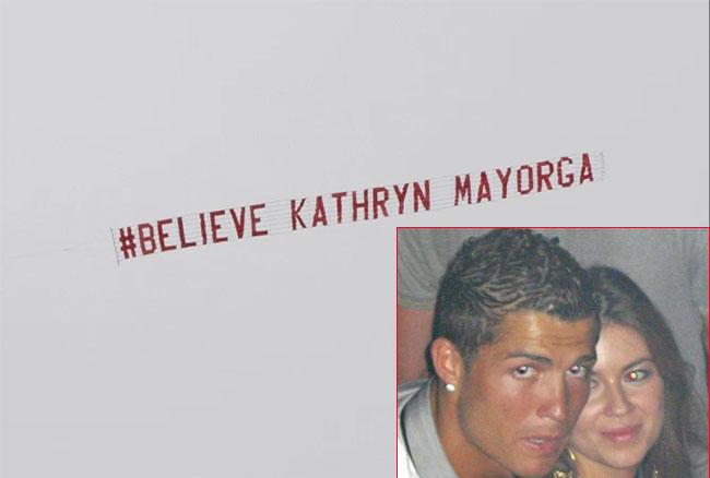 C. Ronaldo bị Kathryn Mayorga tố hiếp dâm trong một lần gặp gỡ mùa hè 2009 khi anh vẫn là cầu thủ của MU, chưa chuyển sang Real. Người đẹp Mỹ t có báo cảnh sát nhưng không tiết lộ danh tính người xâm hại mình.