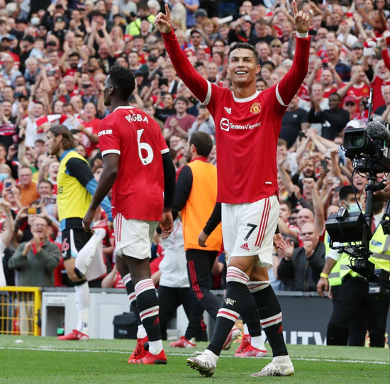 Ronaldo được chào đón nồng nhiệt tại sân Old Trafford HÔM 11/9. Ảnh: AP.