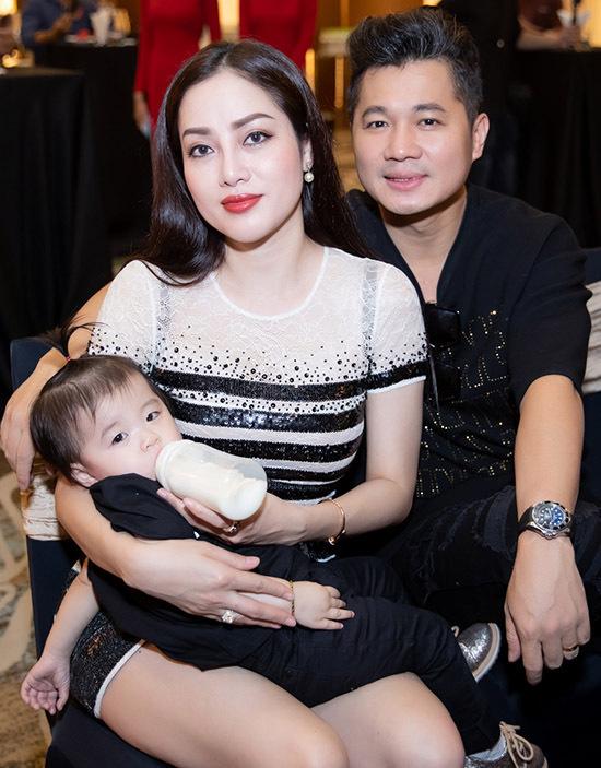 Lâm Vũ cùng vợ và con gái dự một sự kiện ở TP HCM, tháng 11/2019.