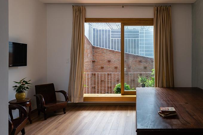 Vợ chồng chủ nhà có hai con nhỏ, muốn nhà là chỗ ở lâu dài nên cần tới 3 phòng ngủ.