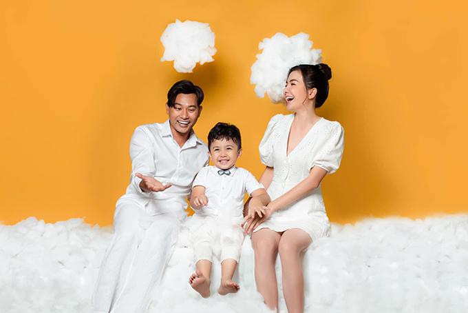 Gia đình Huỳnh Đông - Ái Châu.