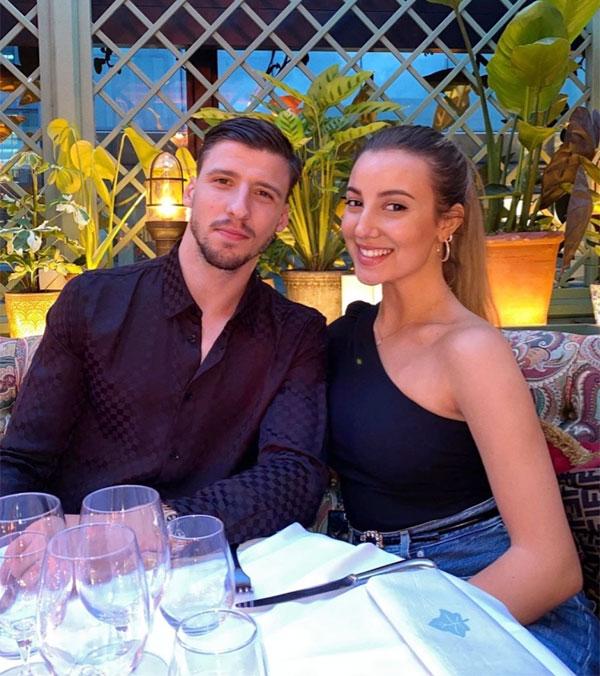 Ruben Dias và bạn gái đồng hương gắn bó từ 2018. Ảnh: Instagram