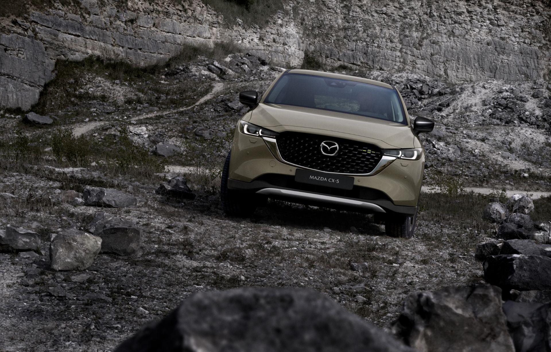 Mazda CX-5 2022 thêm lựa chọn màu vàng cát. Ảnh: Mazda