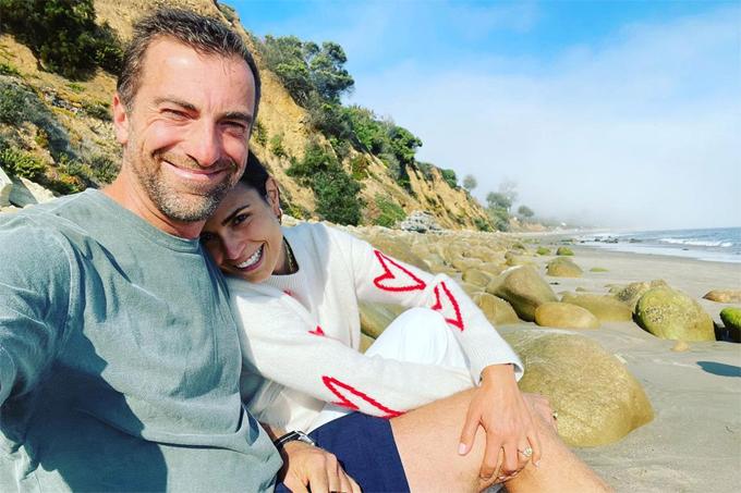 Jordana Brewster khoe ảnh sau khi đính hôn với doanh nhân Mason Morfit.