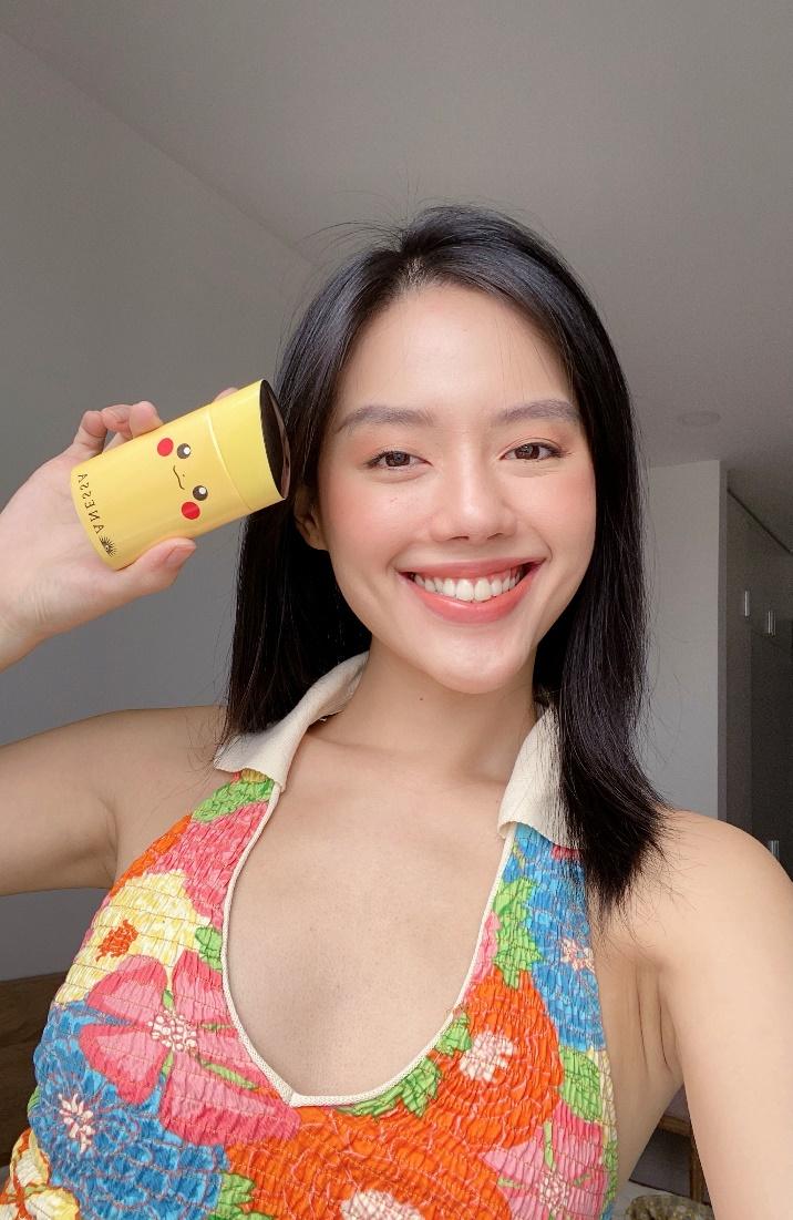 Khánh Linh làm gương mặt đại diện cho Anessa.