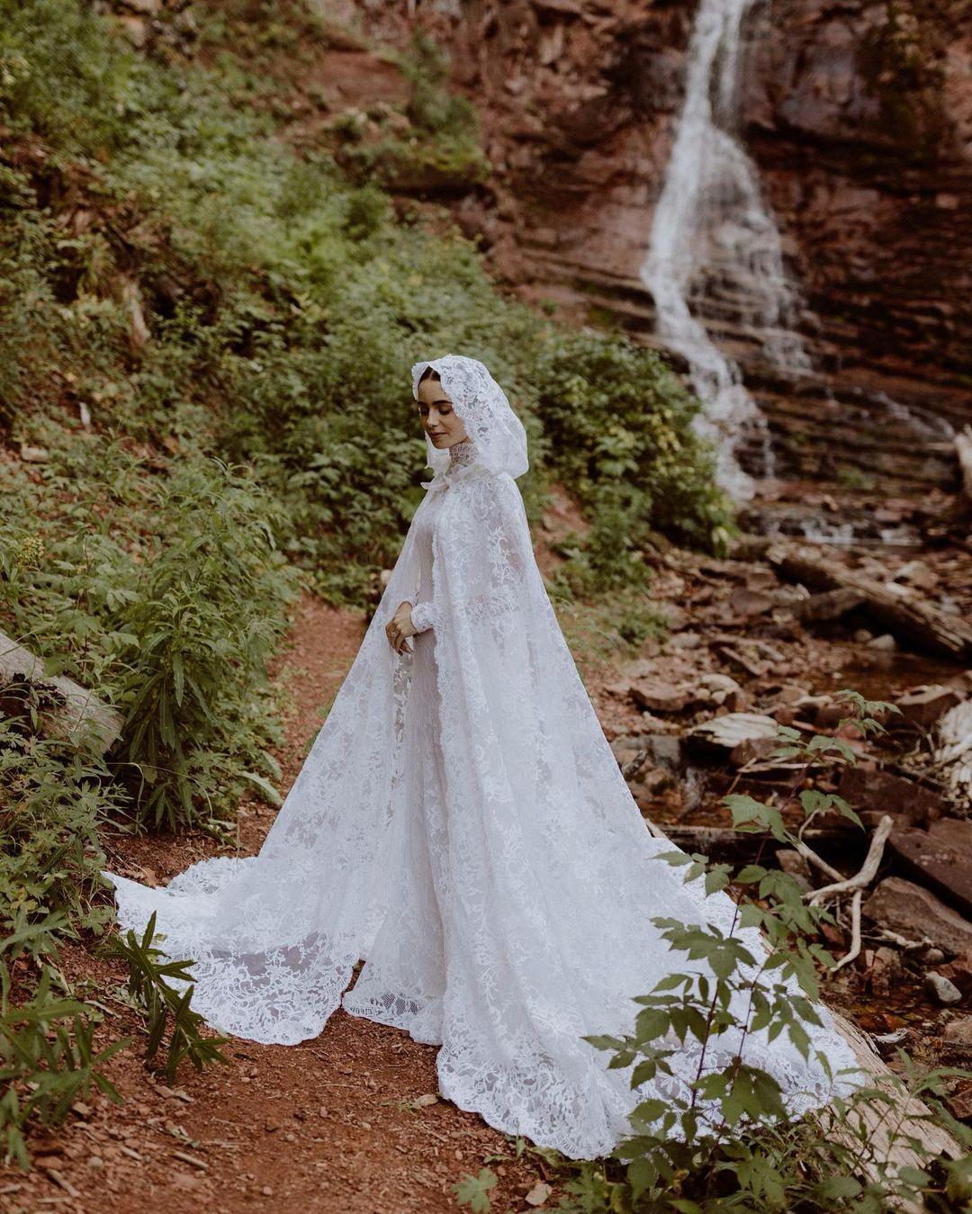 Nữ diễn viên xinh đẹp trong ngày cưới.