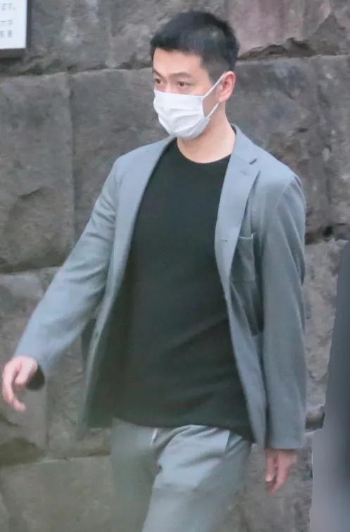Daiki Nakabayashi thay đổi kiểu tóc và cố gắng sống tích cực sau cái chết của vợ.