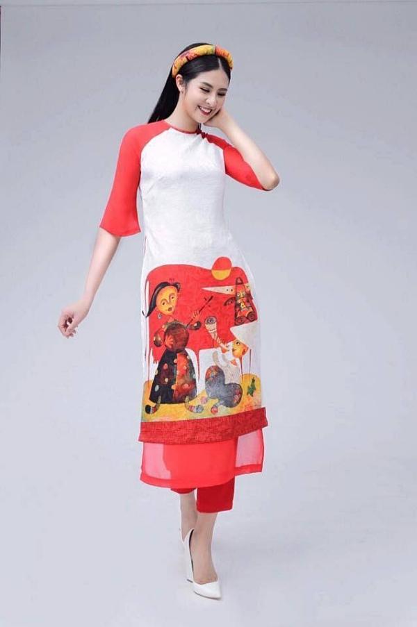 Năm 2011, hoa hậu Ngọc Hân
