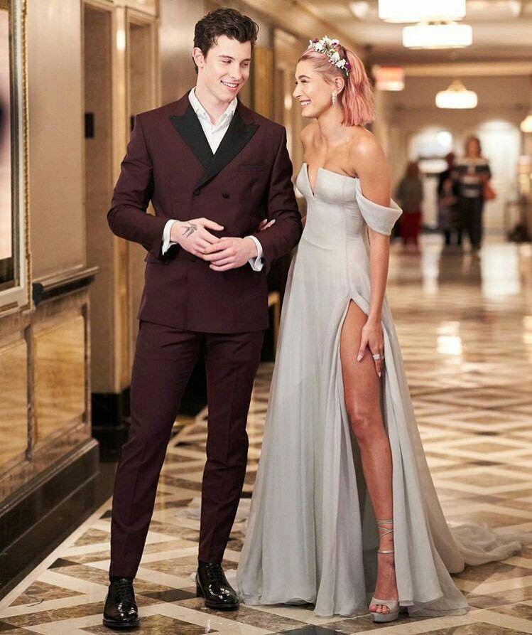 Shawn Mendes và Hailey tại Met Gala 2018.