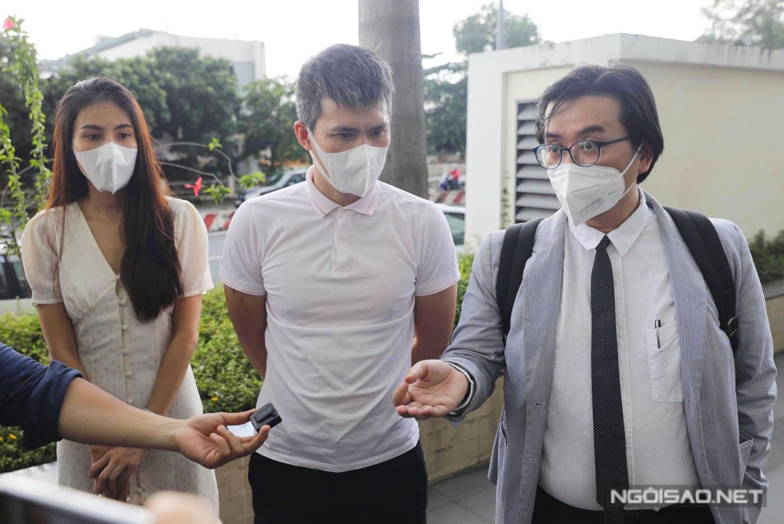 Buổi làm việc có sự tham gia của truyền thông và ông Phan Vũ Tuấn - luật sư đại diện.