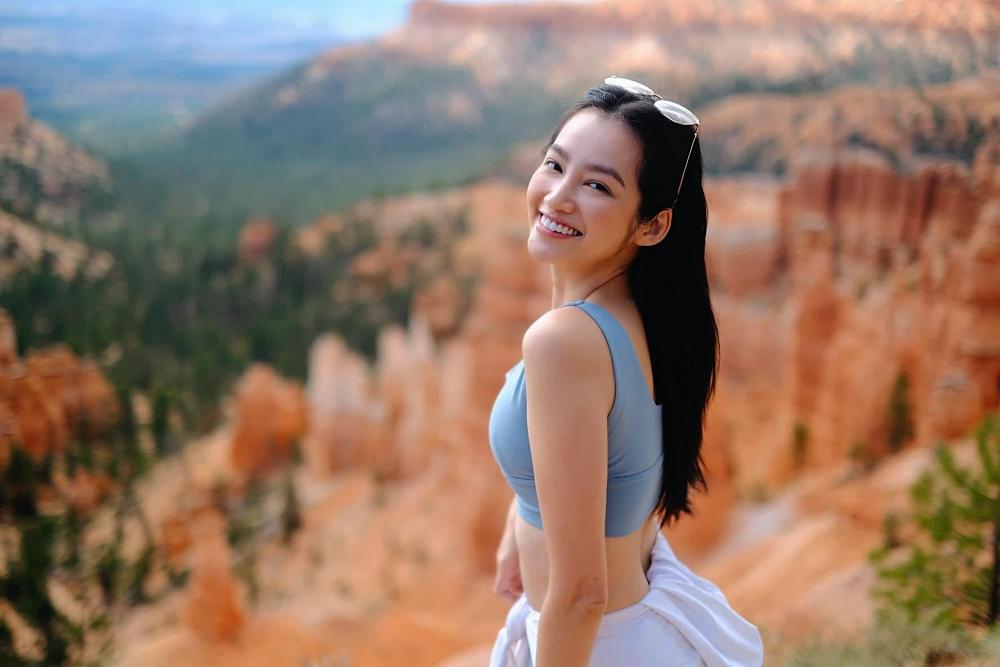 Cô còn khám phá vườn quốc gia Bryce Canyon và chinh phục những hẻm núi nổi tiếng ở đây.