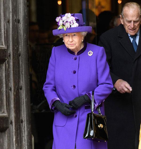 Nữ hoàng và chồng dự lễ kỷ niệm 60 năm giải thưởng mang tên Công tước xứ Edinburgh hồi tháng 12/2016. Ảnh: Rex