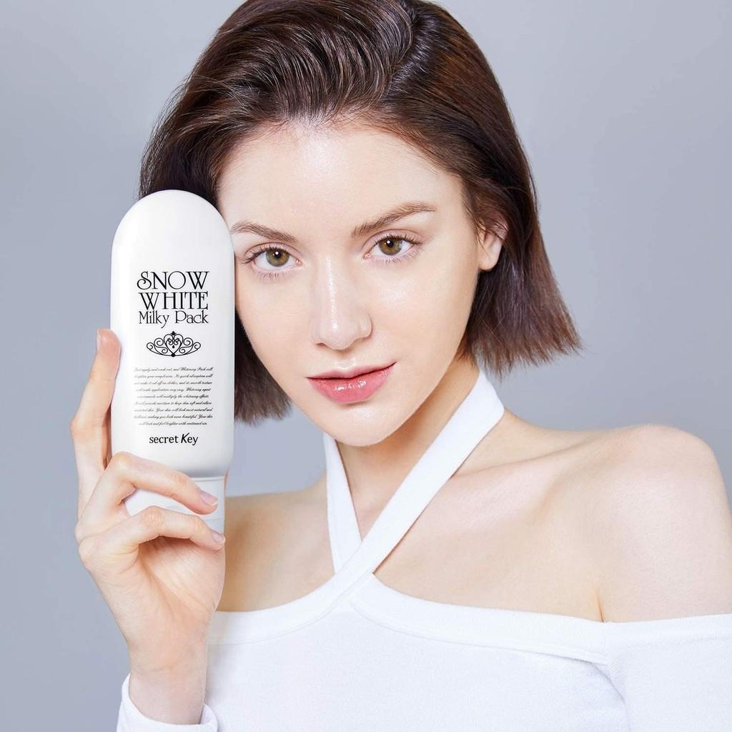 Snowwhite Milky Pack chứa Niacinamide và nhiều thành phần chiết xuất từ thiên nhiên.